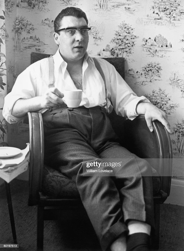 London gangster Ronnie Kray (1933 - 1995) after spending 36 hours helping the police with their inquiry into the murder of George Cornell, 6th August 1966. Kray and his twin brother Reggie were found guilty of the murder in 1969 after a trial at the Old Bailey.