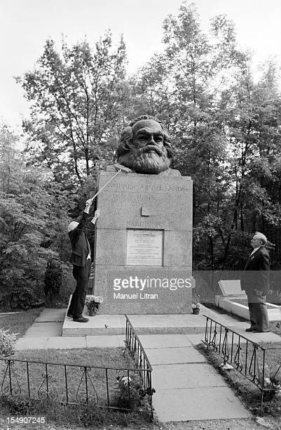 London June 11 employees of cleaning the grave of Karl Marx at Highgate Cemetery