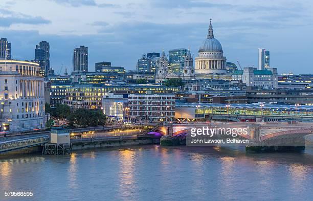 London skyline, dusk