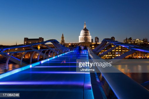 London-St Paul's Cathedral y el Millenium Bridge
