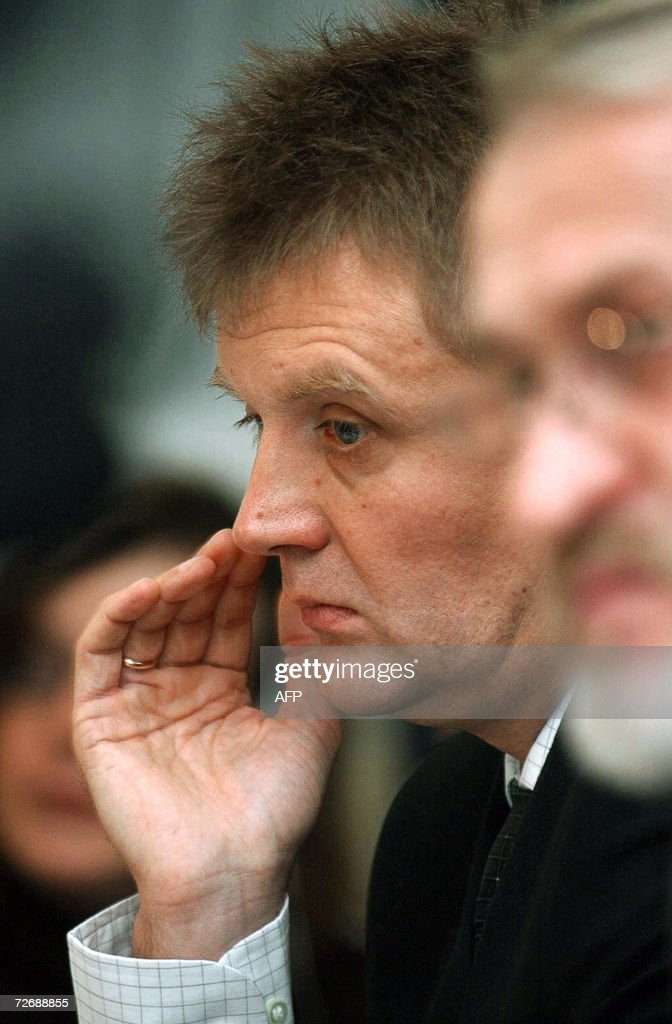 A file picture taken 14 September 2004 shows Lieutenant Colonel <a gi-track='captionPersonalityLinkClicked' href=/galleries/search?phrase=Alexander+Litvinenko&family=editorial&specificpeople=2926201 ng-click='$event.stopPropagation()'>Alexander Litvinenko</a>, a former Russian intelligence agent, and now a political refugee in Britain, giving a press conference in London. British pathologists carried out a potentially hazardous post-mortem on former Russian spy <a gi-track='captionPersonalityLinkClicked' href=/galleries/search?phrase=Alexander+Litvinenko&family=editorial&specificpeople=2926201 ng-click='$event.stopPropagation()'>Alexander Litvinenko</a> 01 December 2006, as London again pressed Moscow over the affair, triggering a testy response. AFP PHOTO/ Martyn HAYHOW
