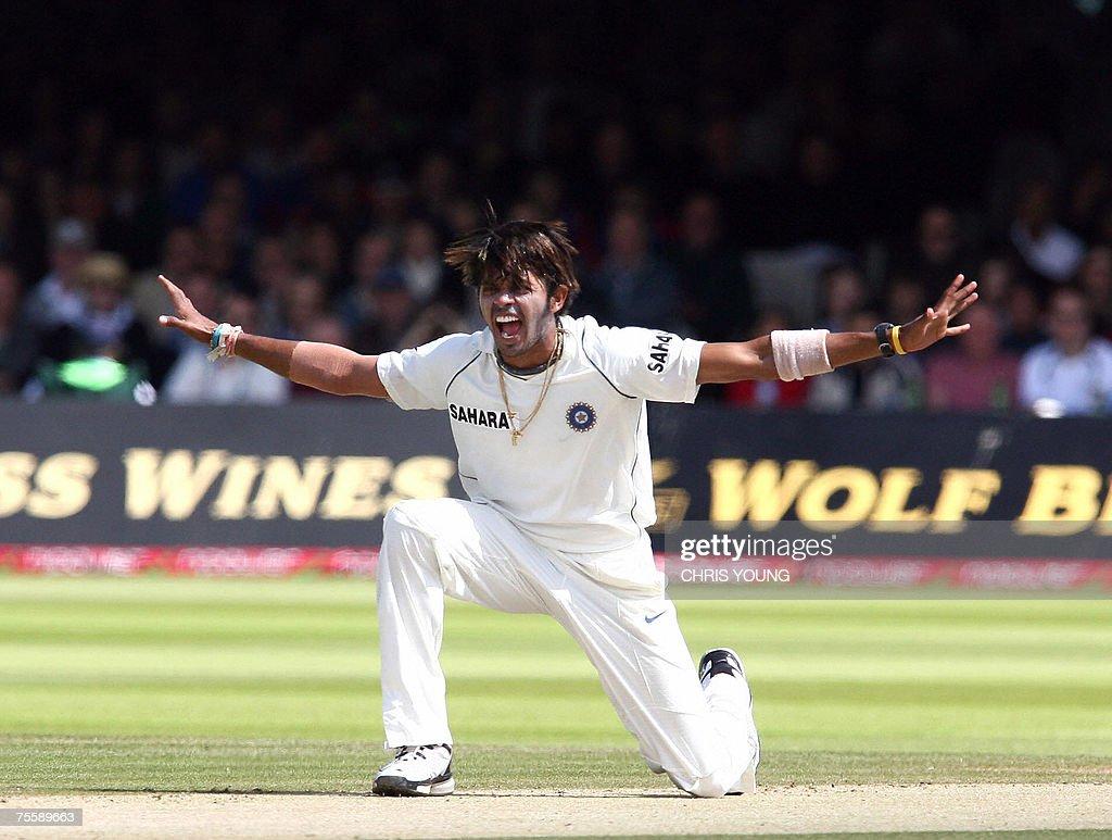 Indian bowler Shanthakumaran Sreesanth a... : News Photo
