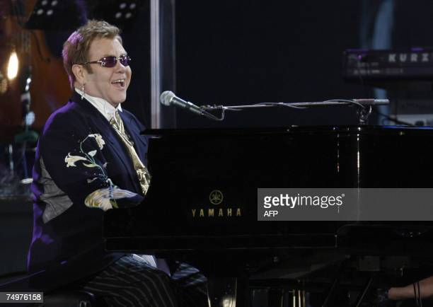 Singer Elton John performs during the 'Concert for Diana' in London 01 July 1 2007 An international lineup of pop stars paid tribute to Princess...