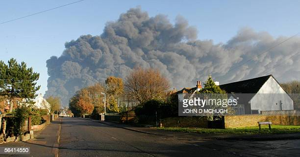 Smoke fills the sky north of London 11 December 2005 following an explosion at Buncefield fuel depot Explosions ripped through a key British oil...