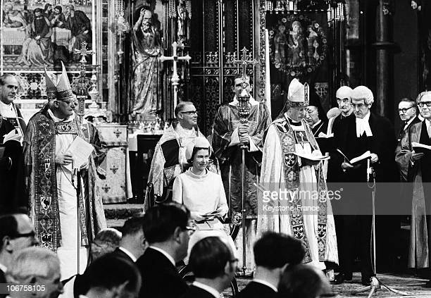London Westminster Abbey Hm The Queen Elizabeth Ii Attends Inauguration Of The General Synod In November 1970