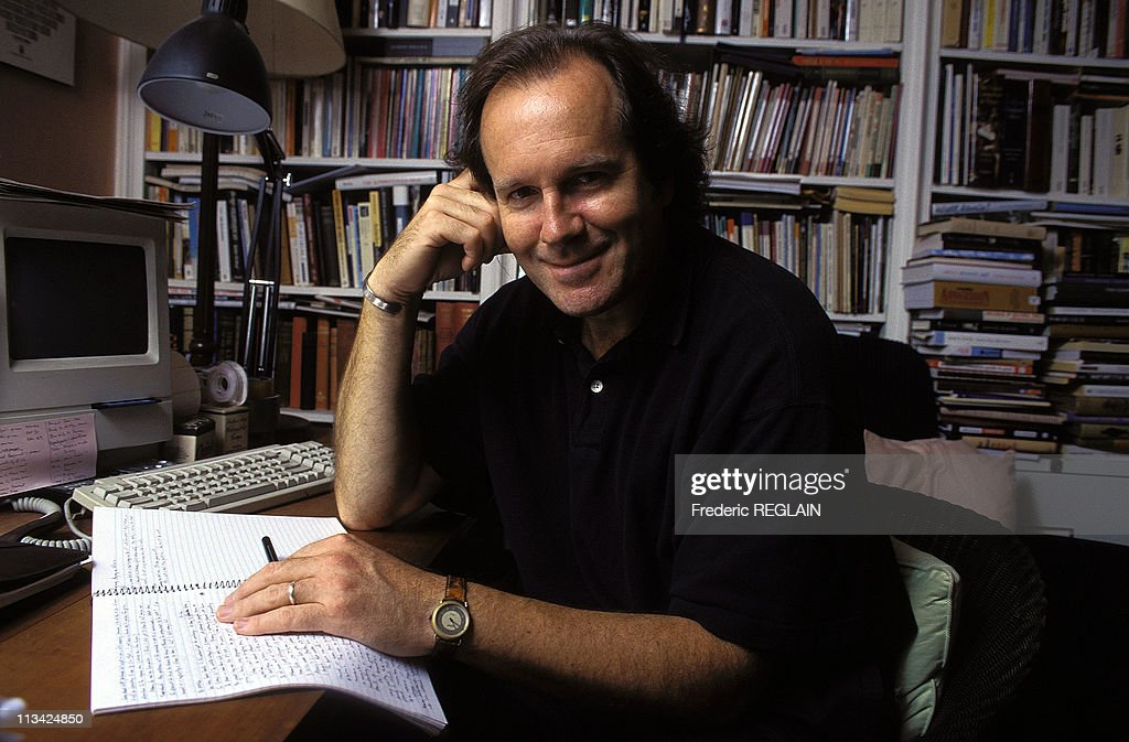<a gi-track='captionPersonalityLinkClicked' href=/galleries/search?phrase=William+Boyd&family=editorial&specificpeople=94242 ng-click='$event.stopPropagation()'>William Boyd</a>, Writer On October 1st,1996 In Londres, United Kingdom.