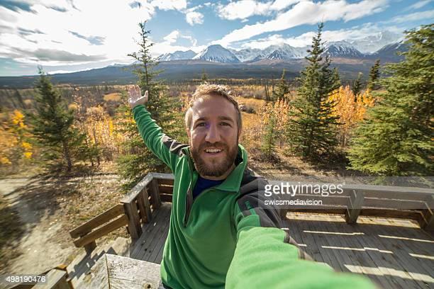 Einsamer Mann in die Natur selfie-Porträt