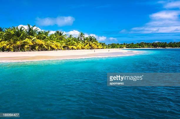 Lonely isla tropical del Caribe.