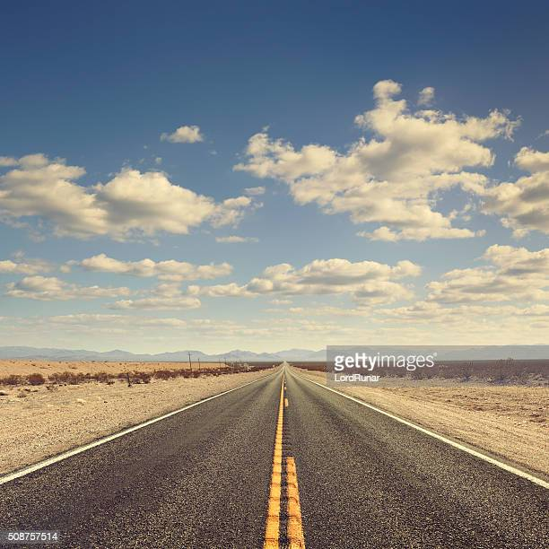 Largo carretera del desierto