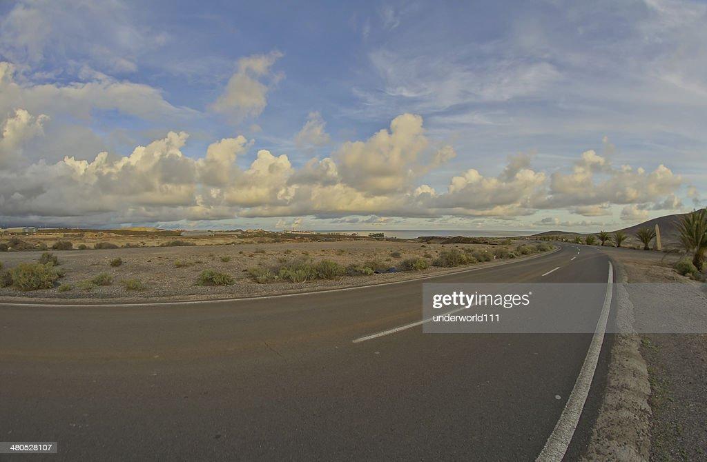 Long vuota Strada del deserto : Foto stock