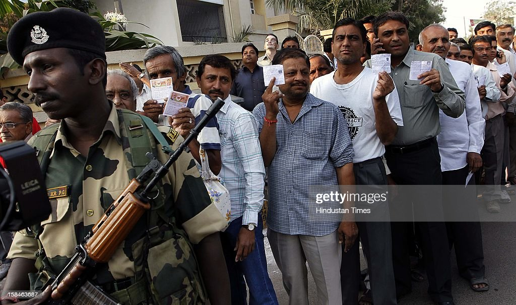 A long queue of voters during the last phase assembly poll at Ranip, Ahmedabad on December 17, 2012 in Gujarat, India.