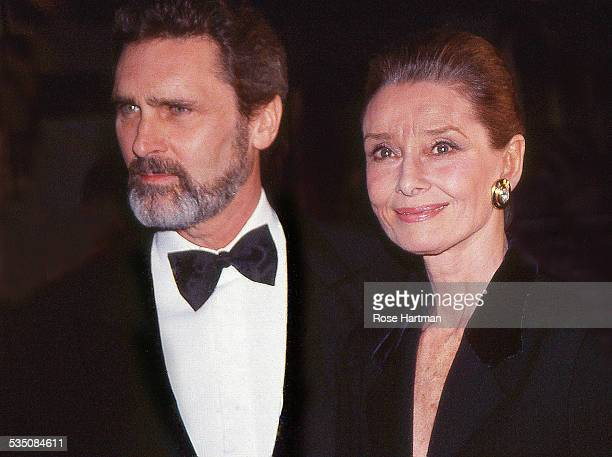Longtime campanions Dutch actor Robert Wolders and British actress Audrey Hepburn attend a gala at the Waldorf Astoria Hotel New York New York 1988