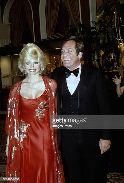 Loni Anderson and husband Ross Bickell attends the 38th Annual Golden Globe Awards circa 1981 in Beverly Hills California