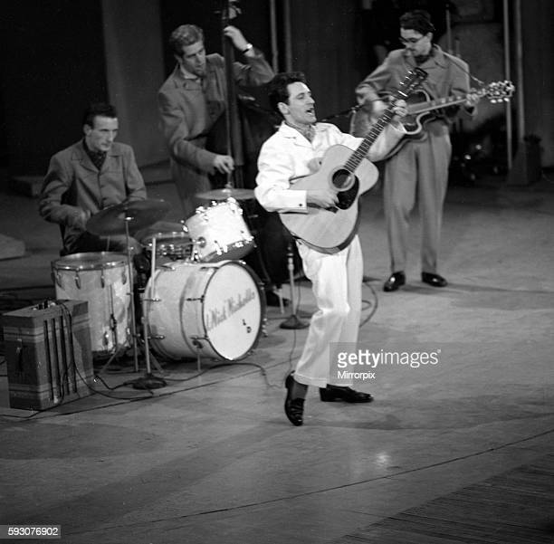 Lonnie Donegan performingcOctober 1966