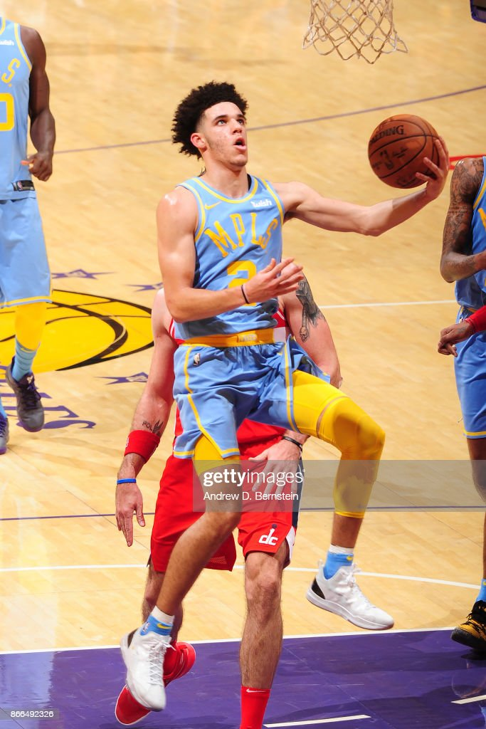 Lonzo Ball #2 of the Los Angeles Lakers drives to the basket against the Washington Wizards on October 25, 2017 at STAPLES Center in Los Angeles, California.