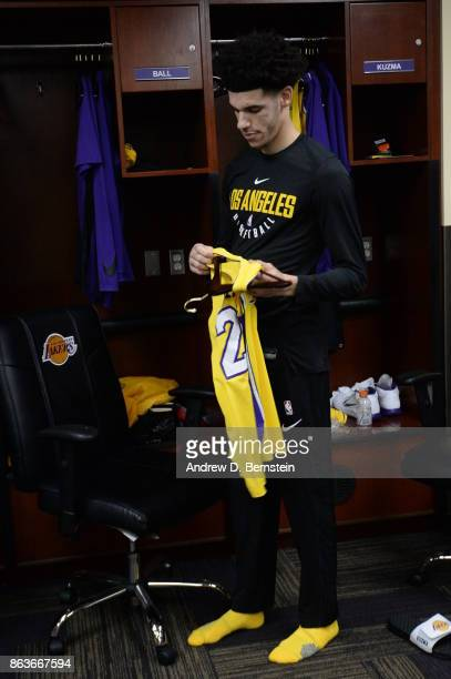 Lonzo Ball of the Los Angeles Lakers gets ready before the game against the LA Clippers on October 19 2017 at STAPLES Center in Los Angeles...