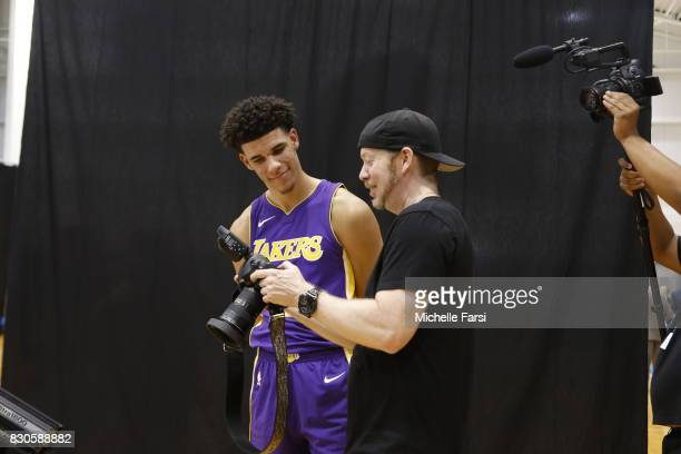 Lonzo Ball takes some pictures behind the scenes during the 2017 NBA Rookie Photo Shoot at MSG training center on August 11 2017 in Tarrytown New...