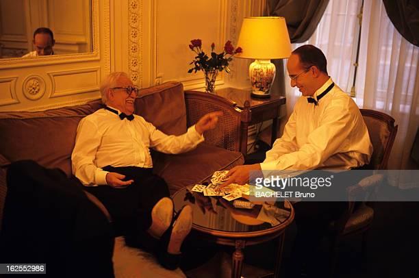 LookAlikes Of The Members Of The Princely Family Of Monaco A Paris Place de la Concorde à l'hôtel du CRILLON le sosie du prince RAINIER et le sosie...
