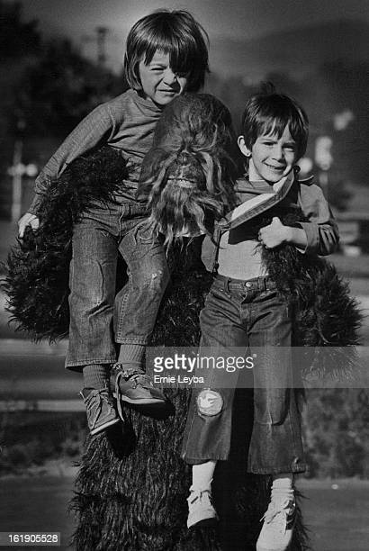 SEP 14 1977 SEP 17 1977 Lookee Lookee It's a Wookie from 'star wars' With the Wookie are billy Popovich left and keri Dubowitz 4 Wookie will make...