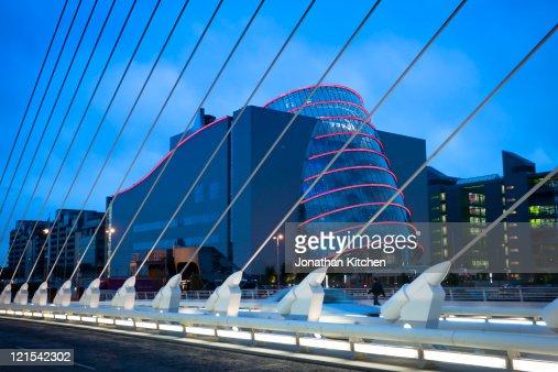 Looking Through Samuel Beckett Bridge