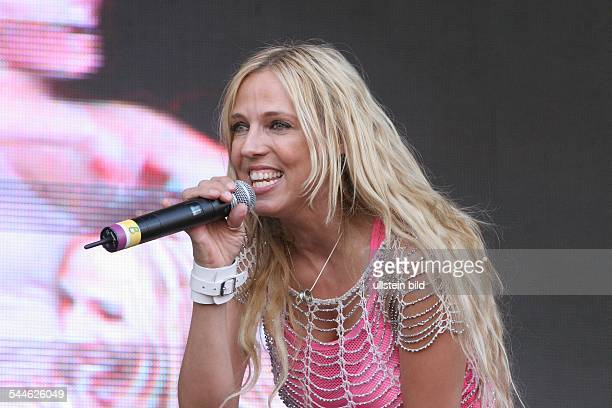 Loona Saengerin Taenzerin Niederlande Auftritt bei dem Konzert 'Stars for free' Parkbuehne Wuhlheide Berlin