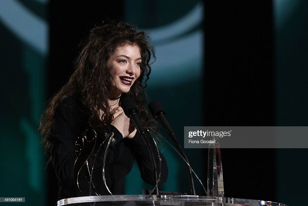 <a gi-track='captionPersonalityLinkClicked' href=/galleries/search?phrase=Lorde&family=editorial&specificpeople=3209104 ng-click='$event.stopPropagation()'>Lorde</a> aka. Ella Yelich-O'Connor wins the XBox One International Award at the New Zealand Music Awards at Vector Arena on November 21, 2013 in Auckland, New Zealand.