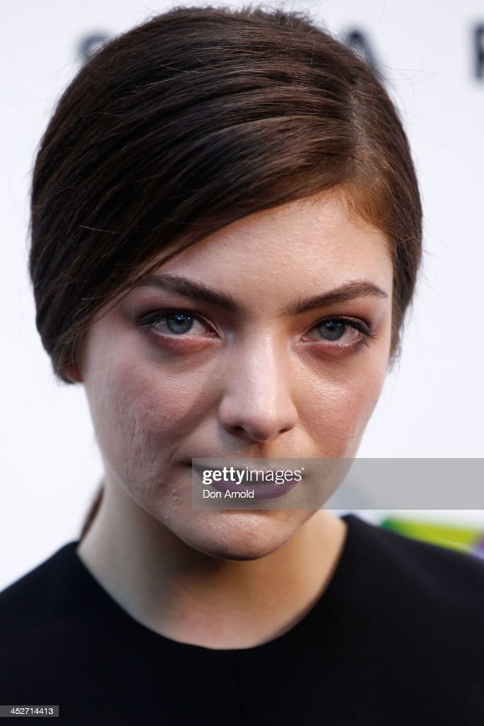 <a gi-track='captionPersonalityLinkClicked' href=/galleries/search?phrase=Lorde&family=editorial&specificpeople=3209104 ng-click='$event.stopPropagation()'>Lorde</a> arrives at the 27th Annual ARIA Awards 2013 at the Star on December 1, 2013 in Sydney, Australia.