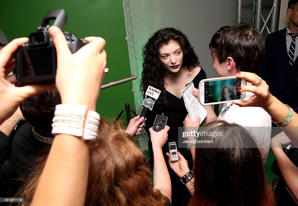 <a gi-track='captionPersonalityLinkClicked' href=/galleries/search?phrase=Lorde&family=editorial&specificpeople=3209104 ng-click='$event.stopPropagation()'>Lorde</a> 'Ella Yelich-O'Connor' speaks to the media after winning Single of the Year during the New Zealand Music Awards at Vector Arena on November 21, 2013 in Auckland, New Zealand.