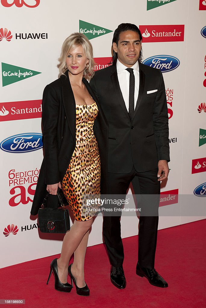 Lorelei Taron and <a gi-track='captionPersonalityLinkClicked' href=/galleries/search?phrase=Radamel+Falcao&family=editorial&specificpeople=3022104 ng-click='$event.stopPropagation()'>Radamel Falcao</a> attend As Del Deporte' Awards 2012 on December 10, 2012 in Madrid, Spain.