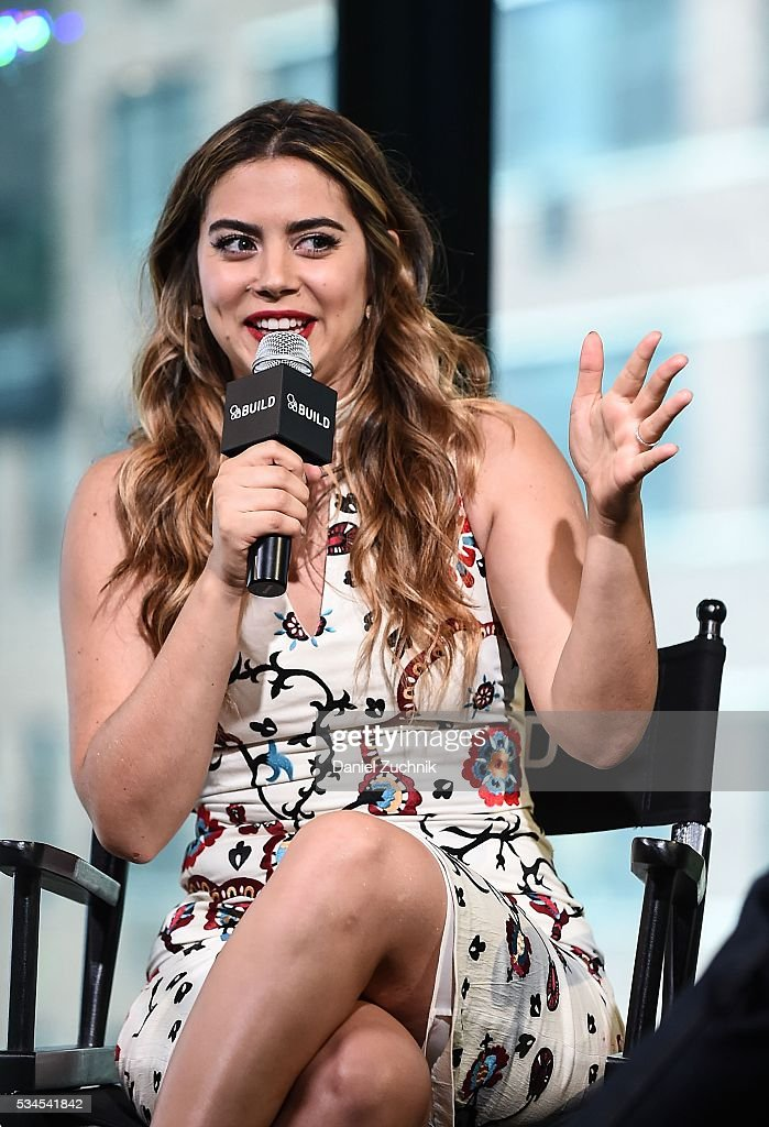 <a gi-track='captionPersonalityLinkClicked' href=/galleries/search?phrase=Lorenza+Izzo&family=editorial&specificpeople=7050477 ng-click='$event.stopPropagation()'>Lorenza Izzo</a> attends AOl Build to discuss her new show 'Feed the Beast' at AOL Studios on May 26, 2016 in New York City.