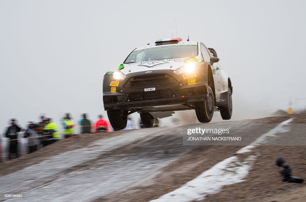 Lorenzo Bertelli of Italy and his co-driver Simone Scattolin steer their Ford Fiesta RS WRC during the 2nd stage of the Rally Sweden, second round of the FIA World Rally Championship on February 12, 2016 in Torsby, Sweden. / AFP / JONATHAN NACKSTRAND