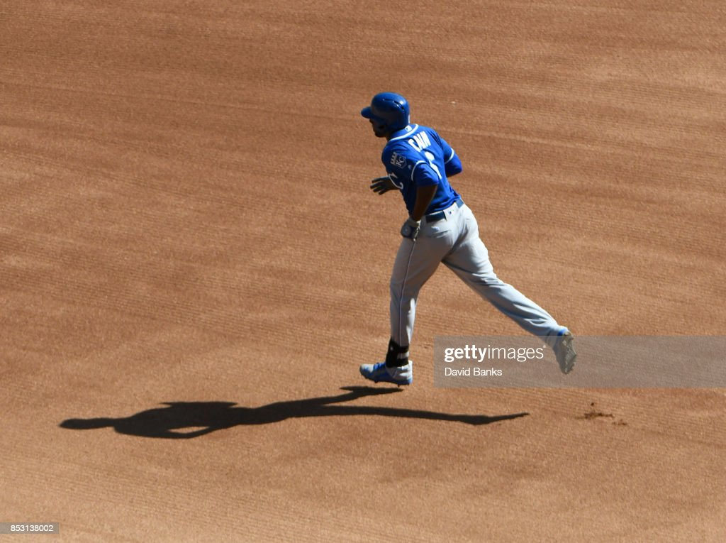 Lorenzo Cain #6 of the Kansas City Royals runs the bases after hitting a home run against the Chicago White Sox during the fourth inning on September 24, 2017 at Guaranteed Rate Field in Chicago, Illinois.