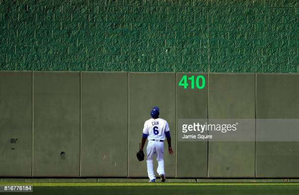 Lorenzo Cain of the Kansas City Royals watches the ball go over the wall for a tworun home run hit by Nicholas Castellanos of the Detroit Tigers...