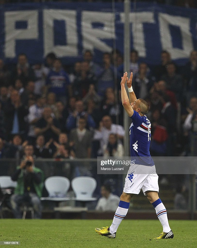 <a gi-track='captionPersonalityLinkClicked' href=/galleries/search?phrase=Lorenzo+De+Silvestri&family=editorial&specificpeople=4533237 ng-click='$event.stopPropagation()'>Lorenzo De Silvestri</a> of UC Sampdoria celebrates after scoring the opening goal during the Serie A match between UC Sampdoria and Calcio Catania at Stadio Luigi Ferraris on May 8, 2013 in Genoa, Italy.