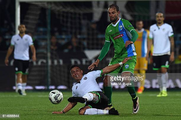 Lorenzo Filippini of Cesena and Gianmarco Zigoni of SPAL compete for the ball during the Serie B AC Cesena and SPAL at Dino Manuzzi Stadium on...