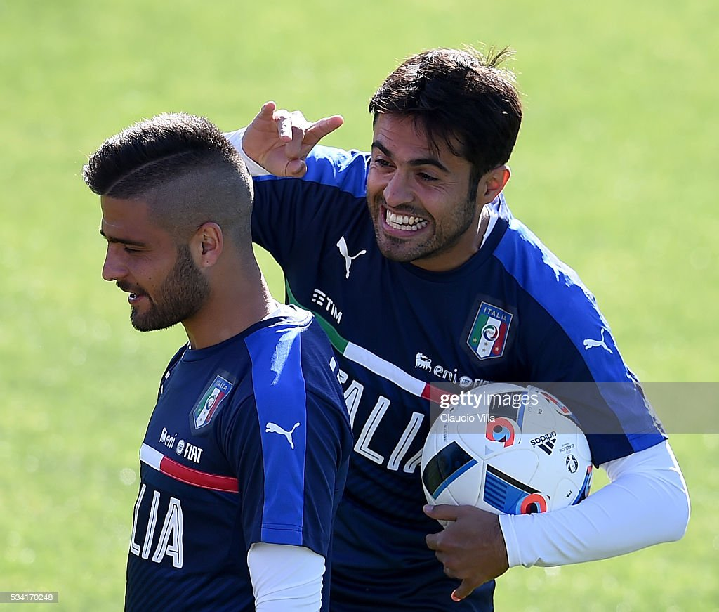 <a gi-track='captionPersonalityLinkClicked' href=/galleries/search?phrase=Lorenzo+Insigne&family=editorial&specificpeople=7486481 ng-click='$event.stopPropagation()'>Lorenzo Insigne</a> (L) and Eder of Italy jokes during the Italy training session at the club's training ground at Coverciano on May 25, 2016 in Florence, Italy.