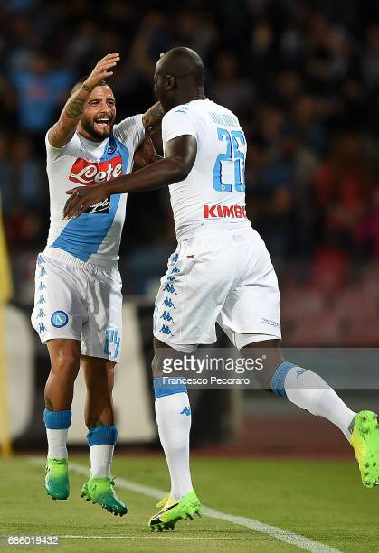 Lorenzo Insigne and Kalidou Koulibaly of SSC Napoli celebrate the 10 goal scored by Kalidou Koulibaly during the Serie A match between SSC Napoli and...