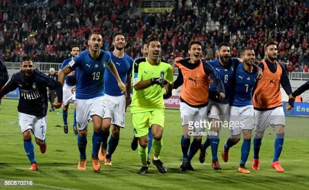 Lorenzo Insigne Leonardo Bonucci Gianluigi Buffon Roberto Inglese and Antonio Candreva of Italy celebrate at the end of the FIFA 2018 World Cup...