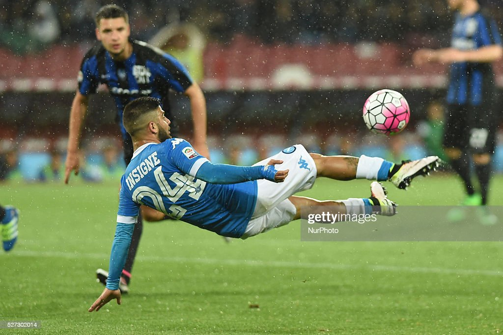 <a gi-track='captionPersonalityLinkClicked' href=/galleries/search?phrase=Lorenzo+Insigne&family=editorial&specificpeople=7486481 ng-click='$event.stopPropagation()'>Lorenzo Insigne</a> of SSC Napoli during the italian Serie A football match between SSC Napoli and Atalanta BC at San Paolo Stadium on May 2, 2016 in Naples,Italy.