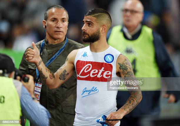 Lorenzo Insigne player of SSC Napoli celebrates the victory after the Serie A match between SSC Napoli and ACF Fiorentina at Stadio San Paolo on May...