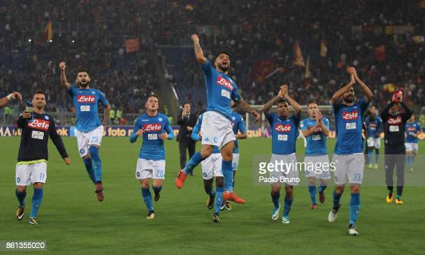 Lorenzo Insigne with his teammates of SSC Napoli celebrates the victory after the Serie A match between AS Roma and SSC Napoli at Stadio Olimpico on...