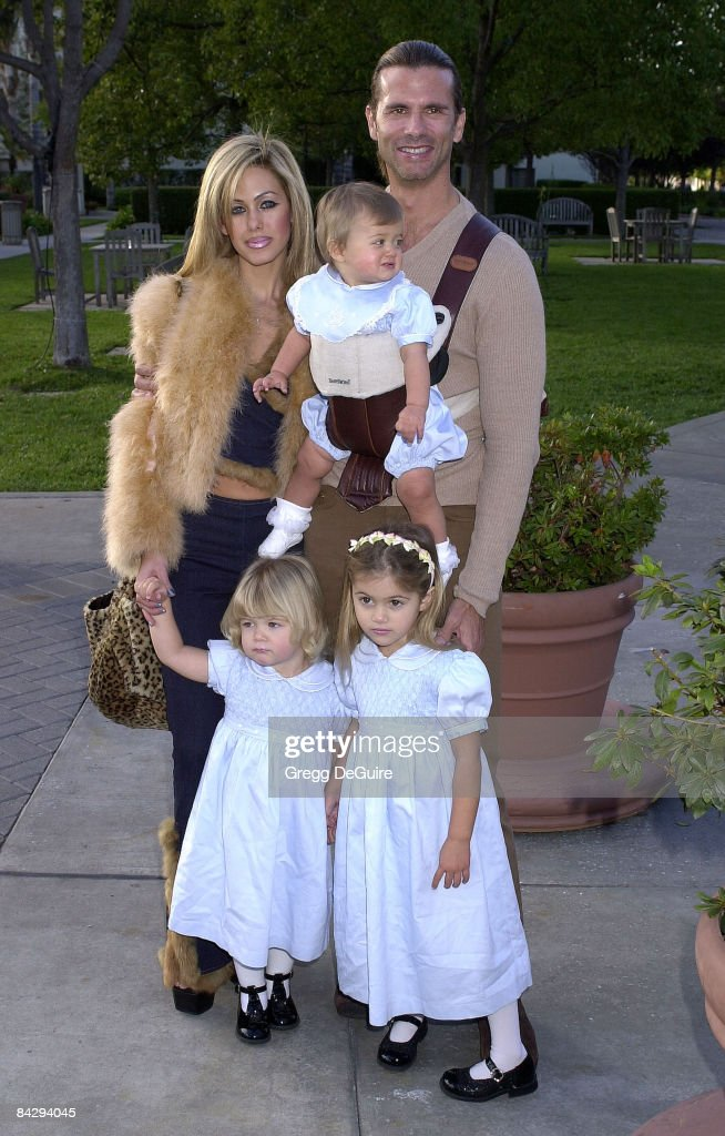 Lorenzo Lamas, wife Shauna Sand and daughters