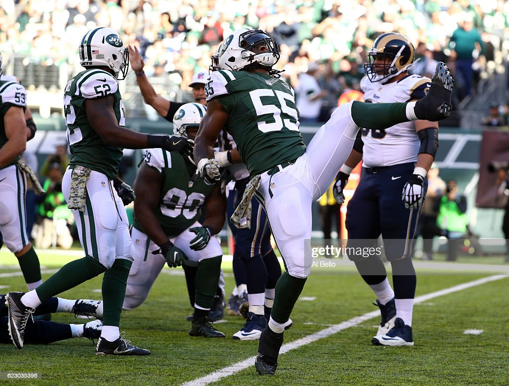 Lorenzo Mauldin #55 of the New York Jets celebrates sacking quarterback Case Keenum #17 of the Los Angeles Rams in the second quarter at MetLife Stadium on November 13, 2016 in East Rutherford, New Jersey.