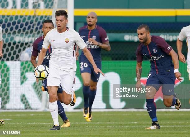 Lorenzo Pellegrini of AS Roma is pursued by Marquinhos of Paris SaintGermain Layvin Kurzawa of Paris SaintGermain and Jese of Paris SaintGermain and...