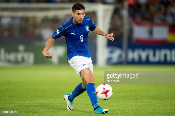 Lorenzo Pellegrini of Italy runs with the ball during the UEFA European Under21 Championship 2017 Group C match between Italy and Germany at Krakow...