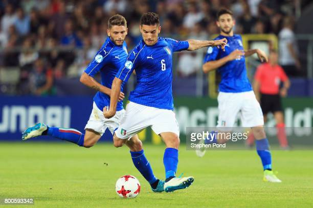 Lorenzo Pellegrini of Italy shoots during the 2017 UEFA European Under21 Championship Group C match between Italy and Germany at Stadion Cracovia on...
