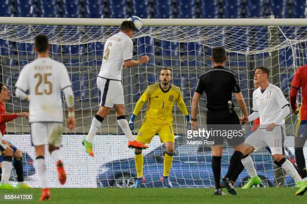 Lorenzo Pellegrini of Italy U21 scores the first goal during the international friendly match between Italy U21 and Spain U21 at Olimpico Stadium on...