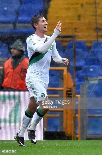 Lorenzo Pellegrini of Sassuolo celebrates after scoring a goal during the Serie A match between Genoa CFC and US Sassuolo at Stadio Luigi Ferraris on...