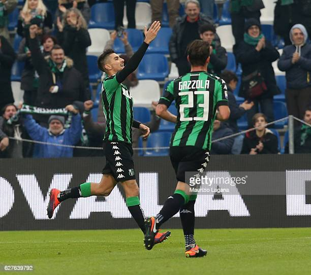 Lorenzo Pellegrini of Sassuolo celebrates after scoring his team's opening goal during the Serie A match between US Sassuolo and Empoli FC at Mapei...