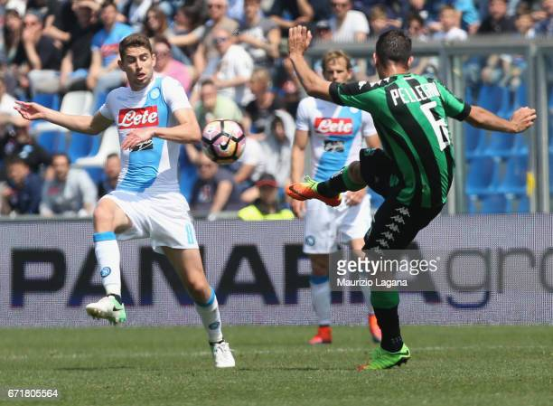 Lorenzo Pellegrini of Sassuolo competes for the ball with Jorginho of Napoli during the Serie A match between US Sassuolo and SSC Napoli at Mapei...